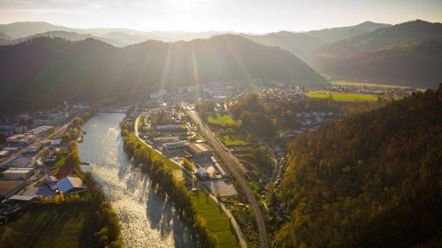 IC GEOSS razpisuje literarni, likovni in fotografski natečaj »Reka Sava«