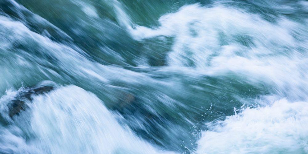 Poslanci na predlog vlade odločajo o poslabšanju varnosti pitne vode
